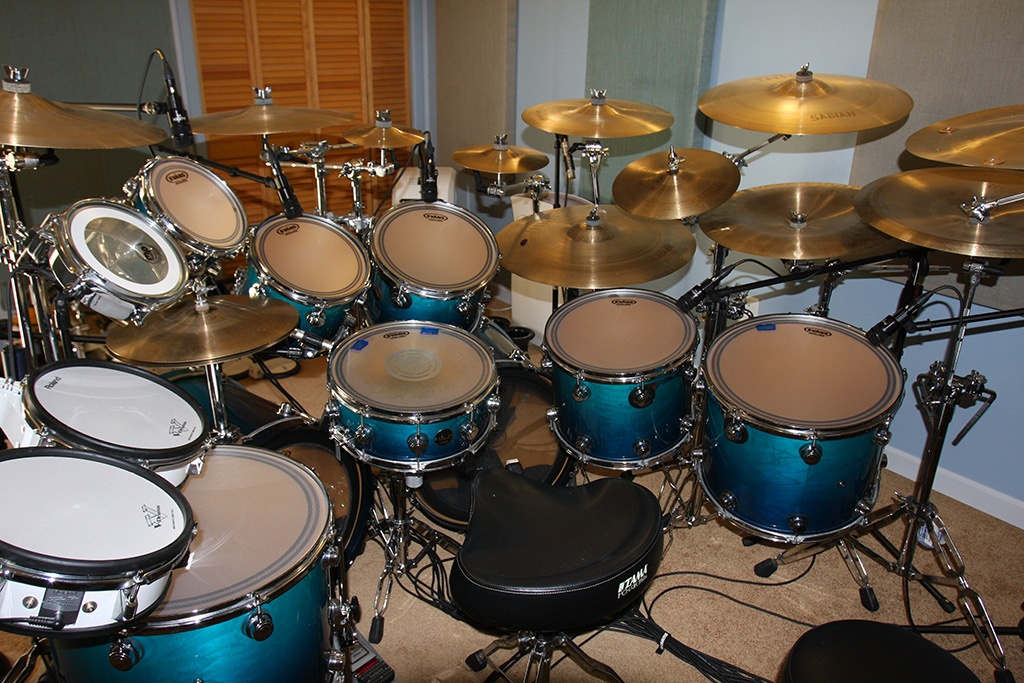 Richard Geer's DW Drum Set with EC2S EVANS Frosted Heads